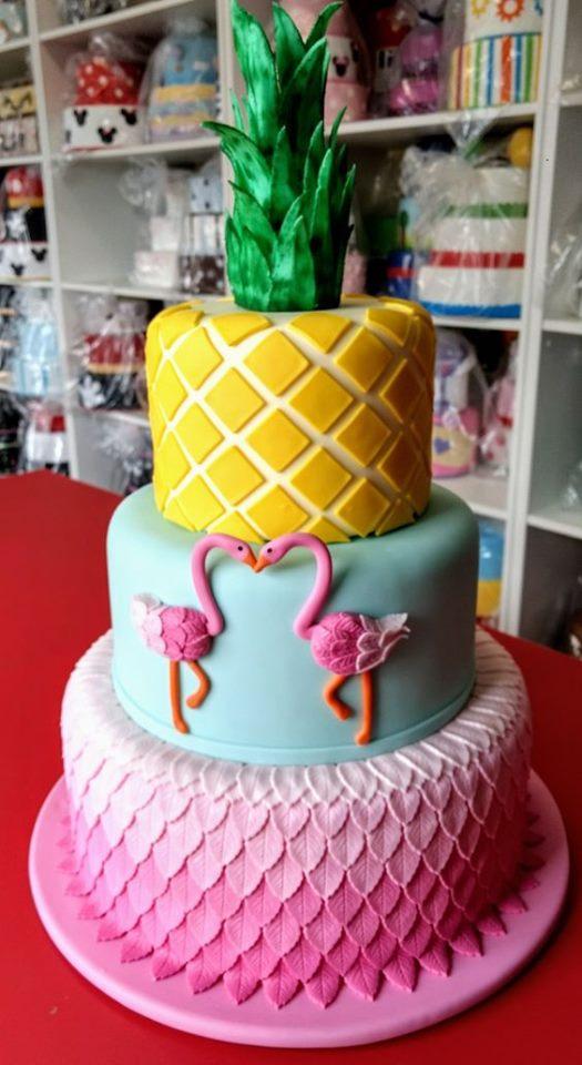 Diseño de pastel para fiesta tropical