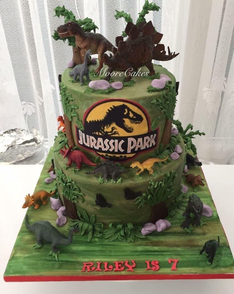 Diseño de pasteles con temática de dinosaurios