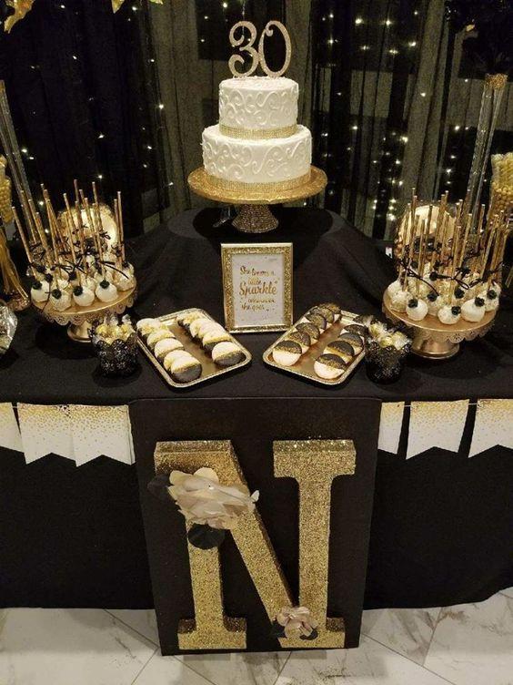 Diseño de pasteles para fiesta de 50 años