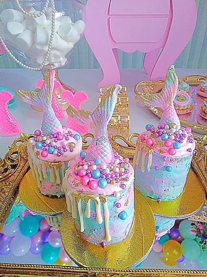 Diseño de pasteles para fiesta de sirenita