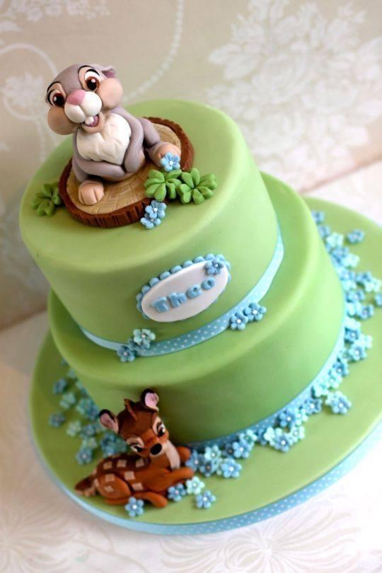 Diseño de pasteles para fiesta temática de bambi