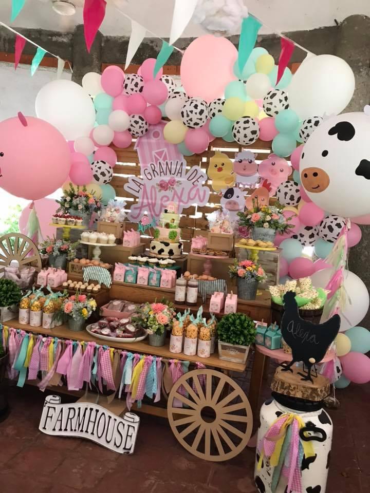 Mesa de postres para fiesta de la granja