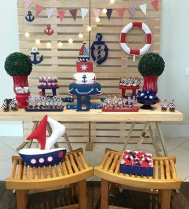 Mesa de postres para fiesta de marinero