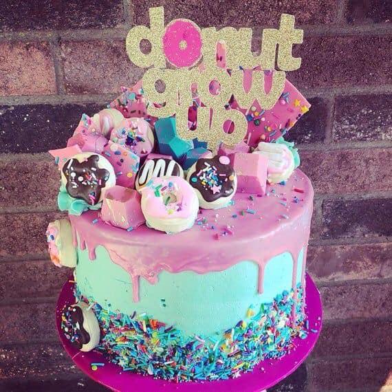 Pastel para fiesta temática de donas