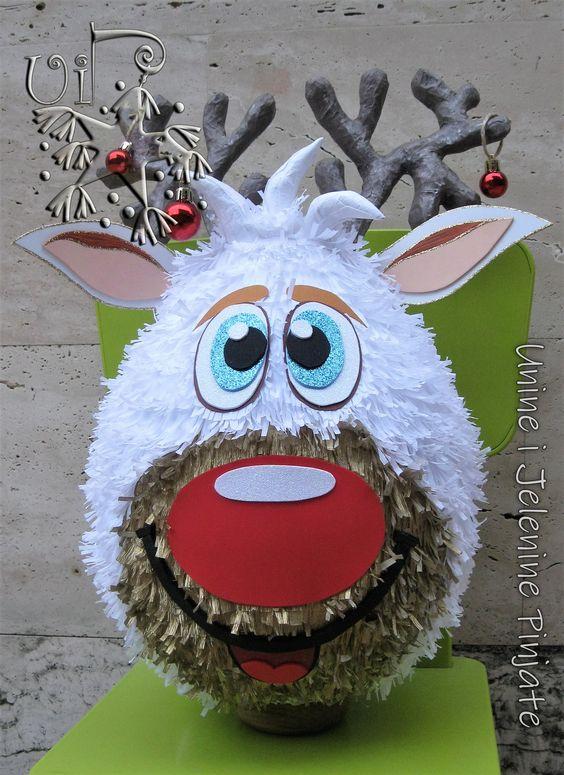 agrega piñatas a los detalles de una posada navideña
