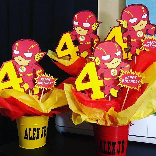 centros de mesa para un cumpleanos de flash