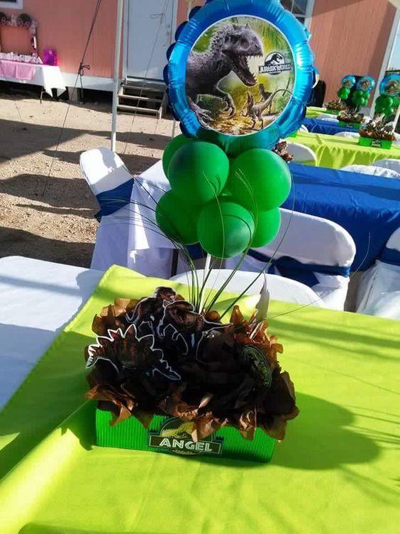 centros de mesa para un cumpleaños de jurassic world dinosaurios