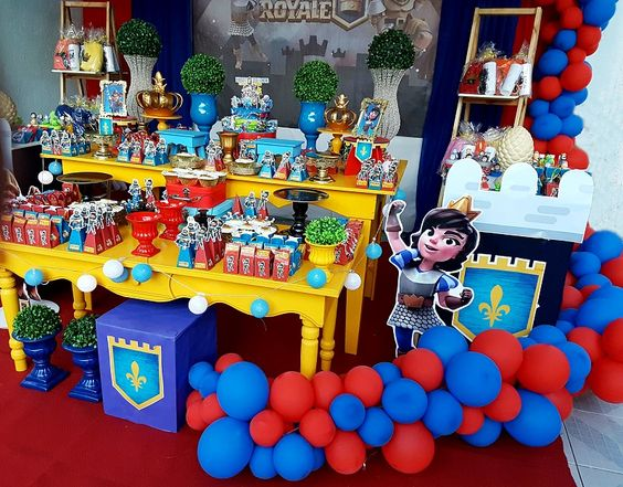 decoracion con globos para cumpleaños de clash royale