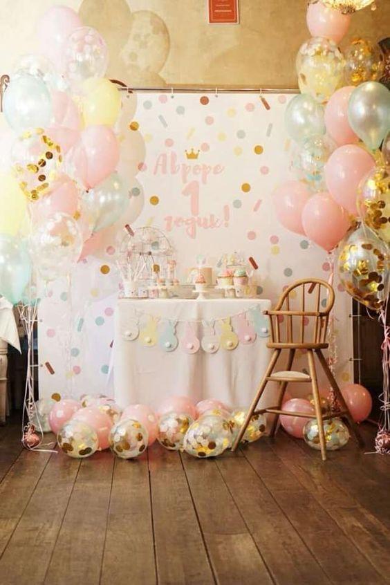 decoracion con globos para cumpleaños de confeti