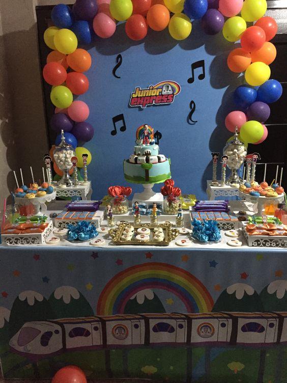 decoracion con globos para cumpleaños junior express