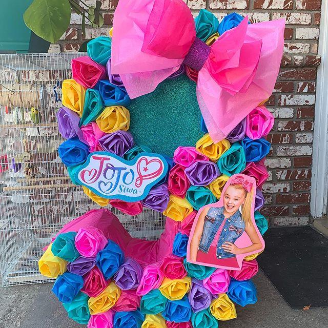 piñata para un cumpleaños de jojo siwa