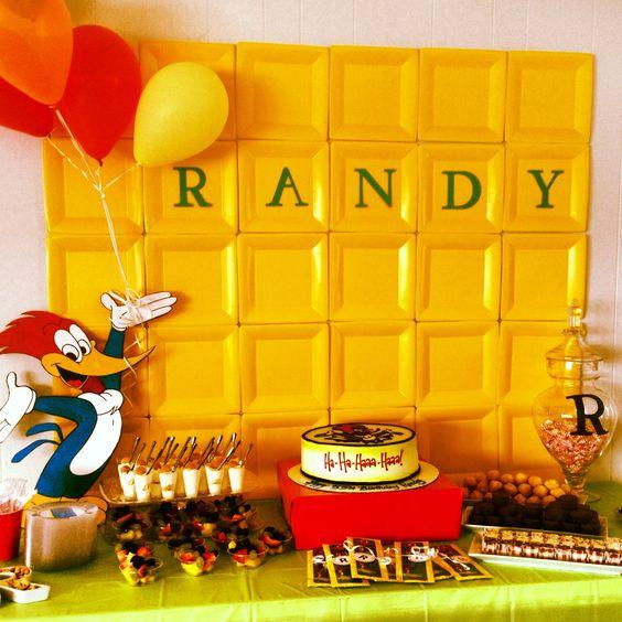 mesa de dulces para fiesta de pajaro loco