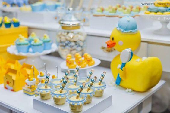 mesa de dulces para fiesta de patito juan