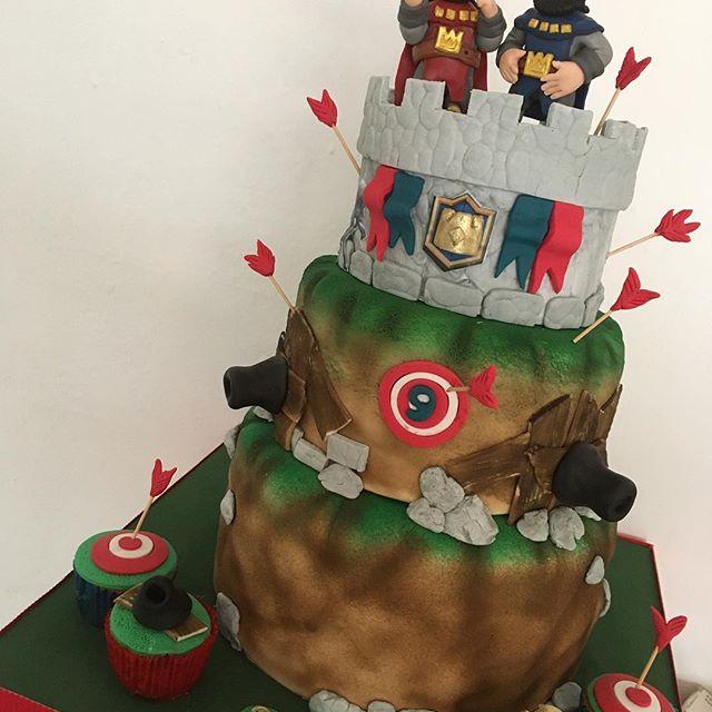 pastel para una fiesta de clash royale