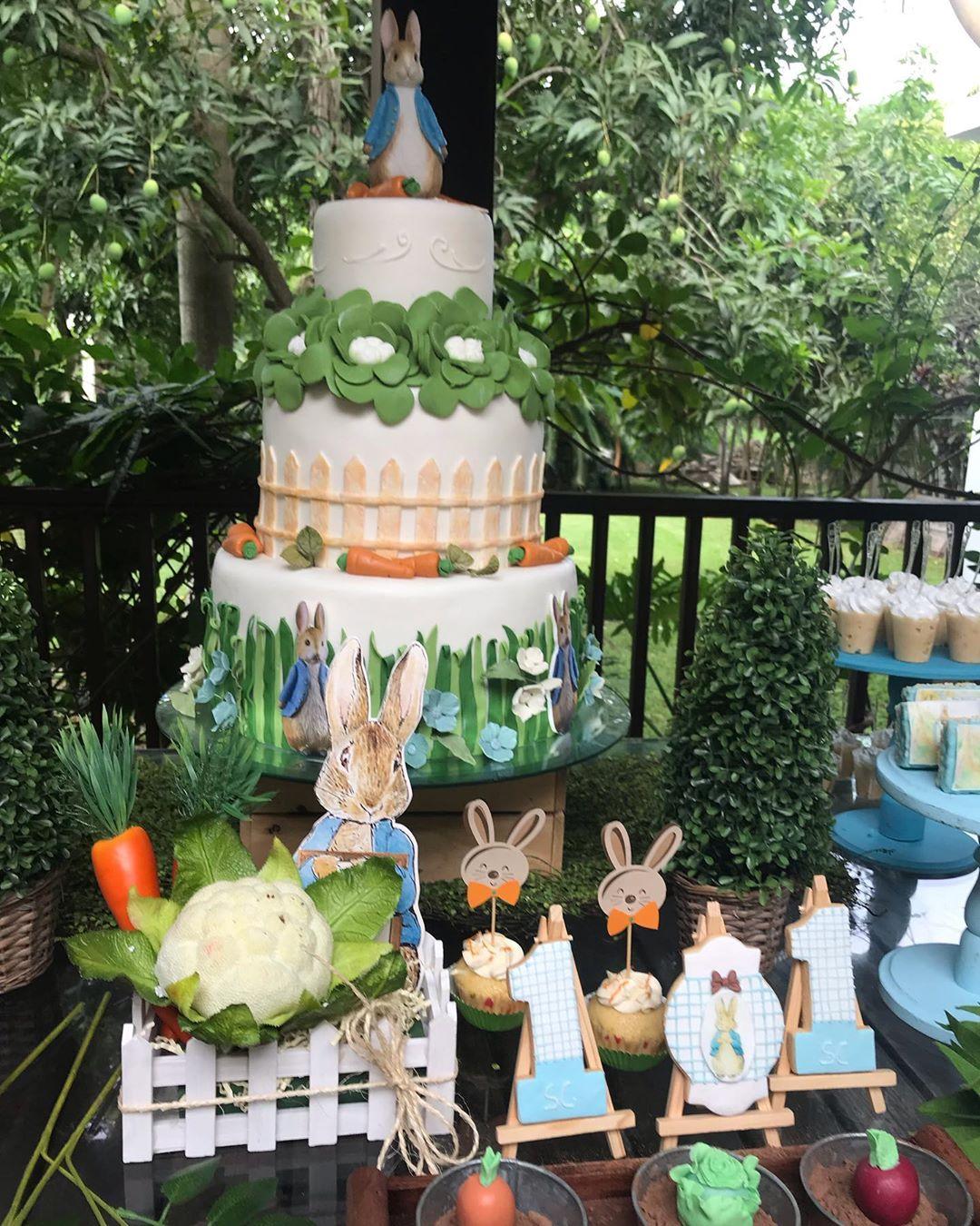 pastel para una fiesta de conejos