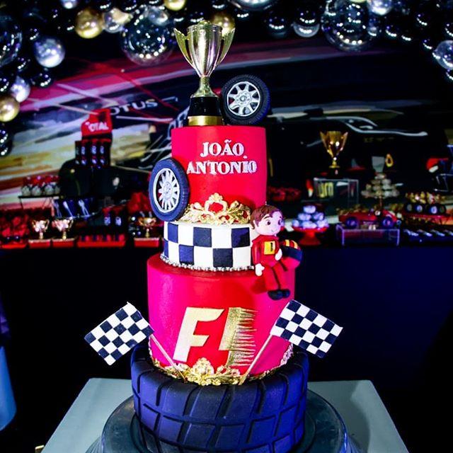 pastel para una fiesta de formula 1