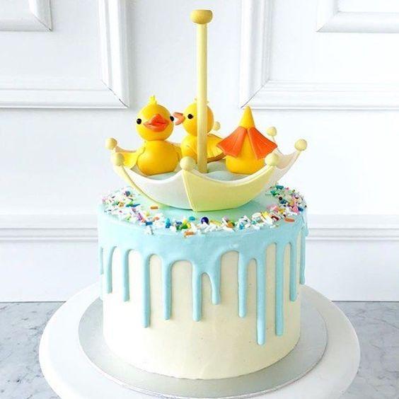 pastel para una fiesta de patito juan