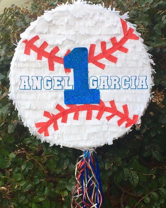 piñata para un cumpleaños de beisbol