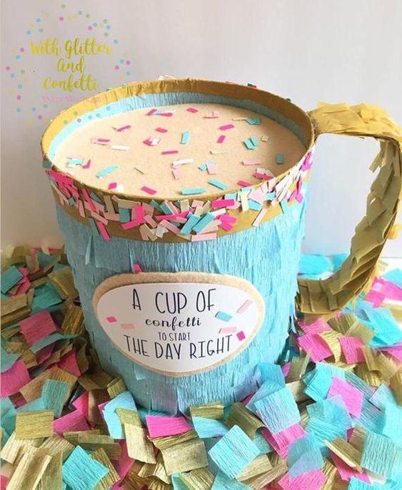 piñata para un cumpleaños de confeti