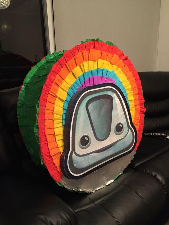 piñata para un cumpleaños de junior express