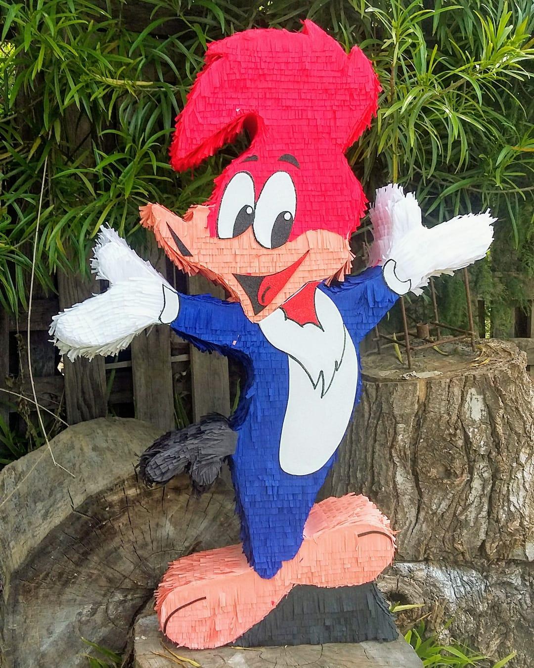 piñata para un cumpleaños de pajaro loco