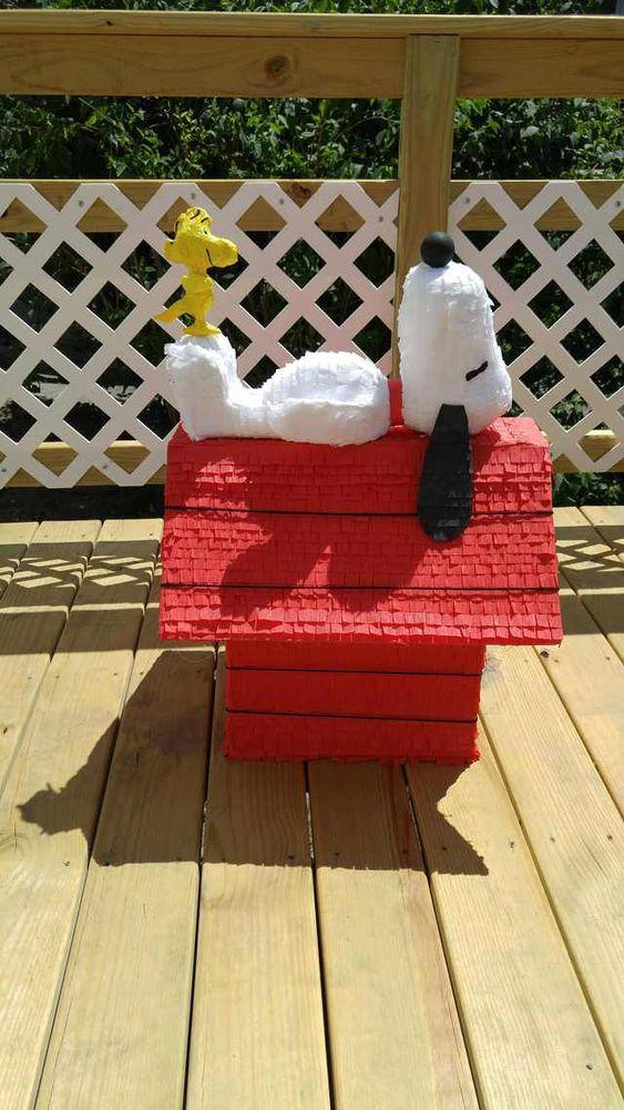 piñata para un cumpleaños de snoopy
