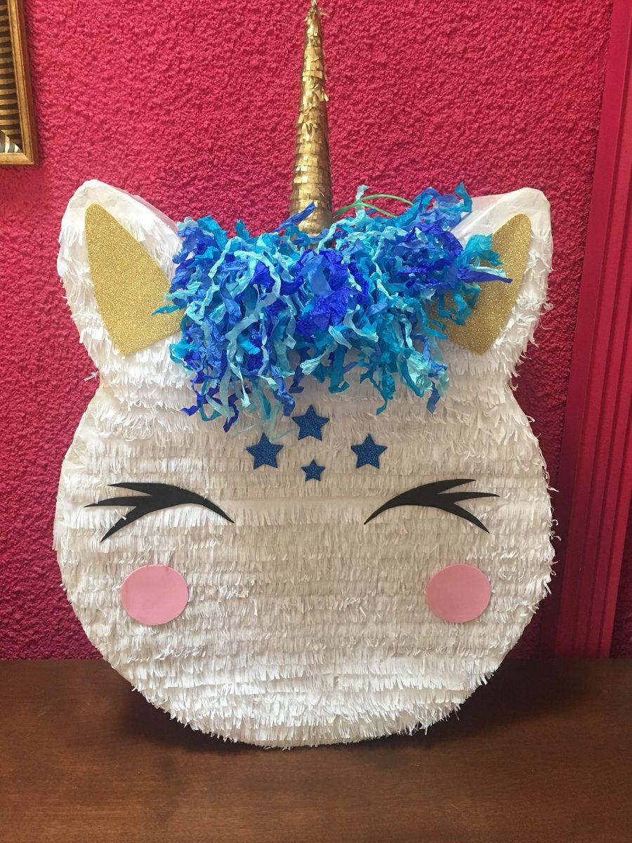 piñata para un cumpleaños de unicornio de niño