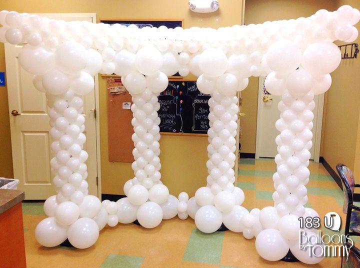 Decoración con globos para fiesta de la antigua Grecia