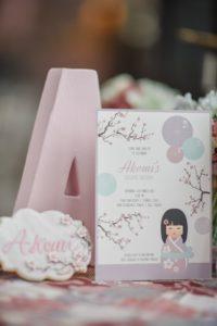 Invitaciones para un cumpleaños de muñecas Kokeshi