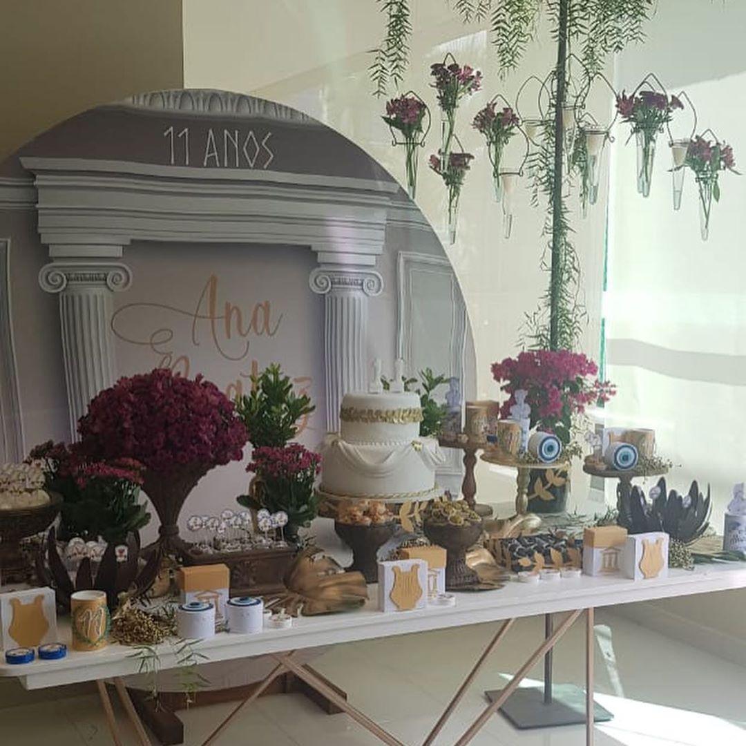 Mesa de dulces para fiesta de la antigua Grecia