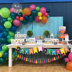 Ideas de fiestas de niño y niña de colores ponys y dinosaurios