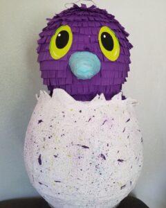Piñata para un cumpleaños de hatchimals