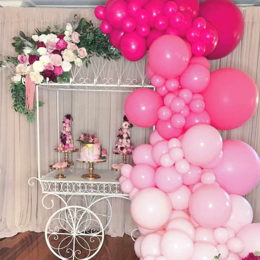 Decoración con globos para baby showers y bautizos color rosa