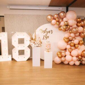 Decoración de fiestas elegantes con globos - 18 años