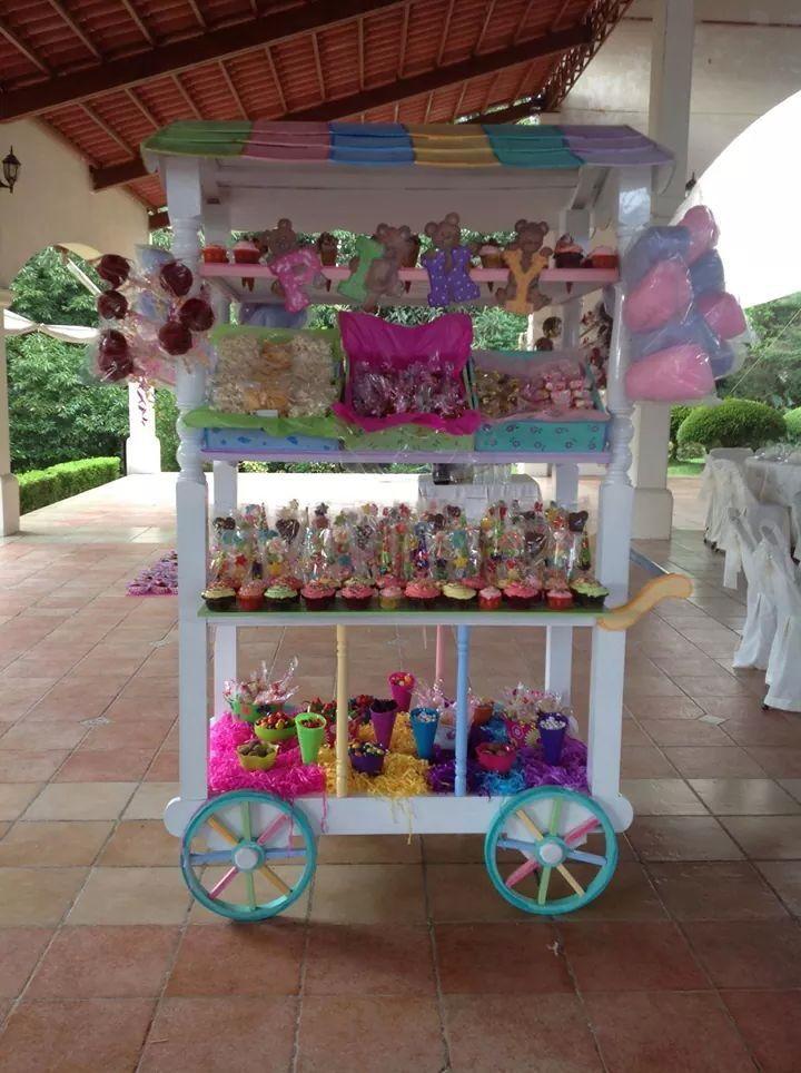 Carrito de dulces para fiesta en colores pastel