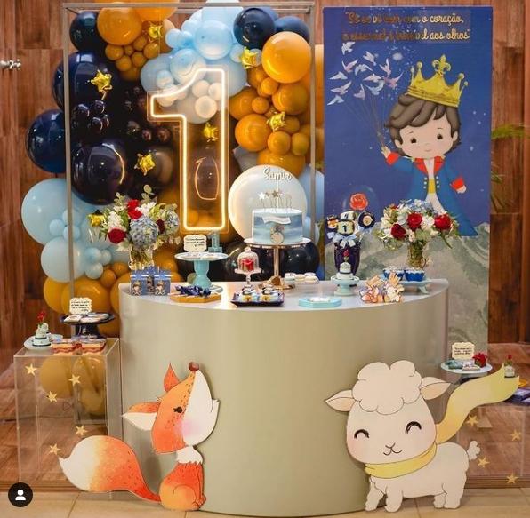 Mesa principal para fiesta de El principito
