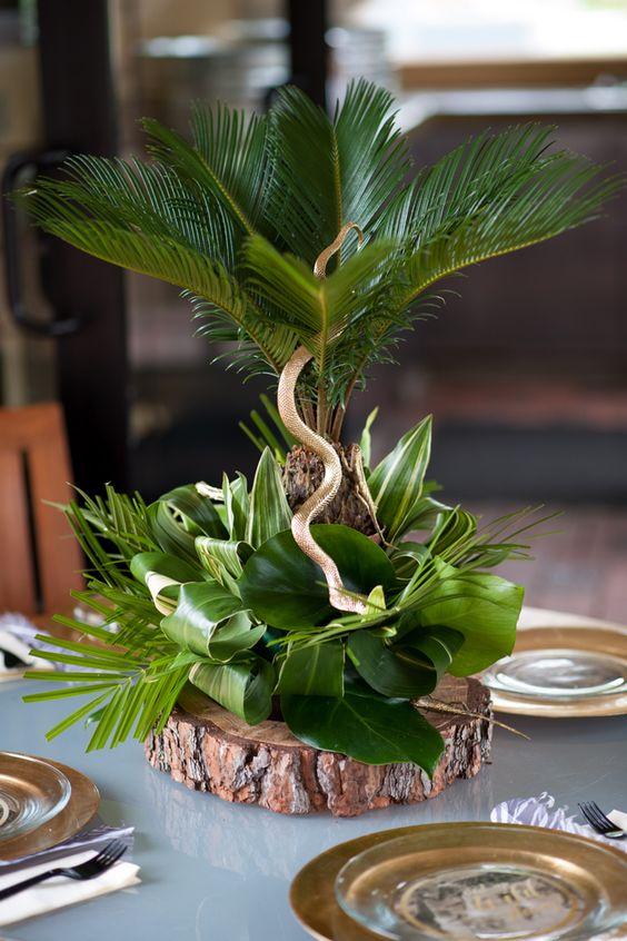 Centros de mesa para fiesta de safari con plantas naturales