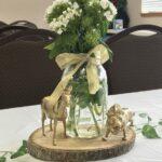 Diseños de centros de mesa para fiesta de safari en color dorado