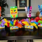 Centros de mesa para fiesta de crayones